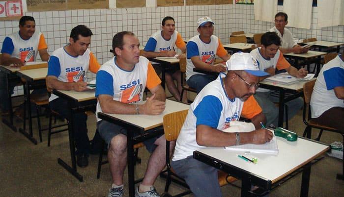 Oportunidade: 1800 vagas gratuitas para Educação de Jovens e Adultos!